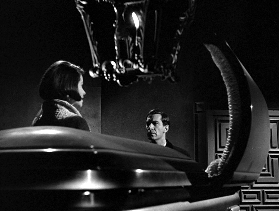 Diane Baker and Martin Landau explore the crypt in The Ghost of Sierra de Cobre (1964)
